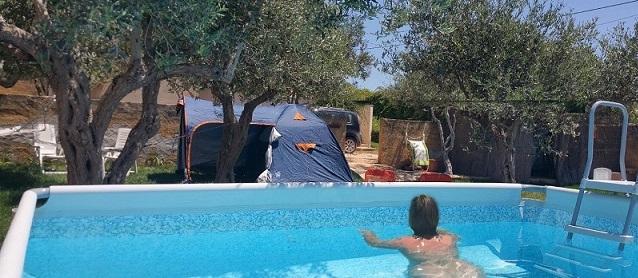 piscina naturista, nudismo piscina, nudismo sicilia, naturist sicily, naturism italy, naturisme sicilie, naturisme italie